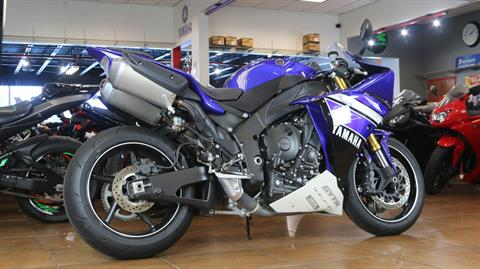 2012 Yamaha YZF-R1 in Pinellas Park, Florida - Photo 3
