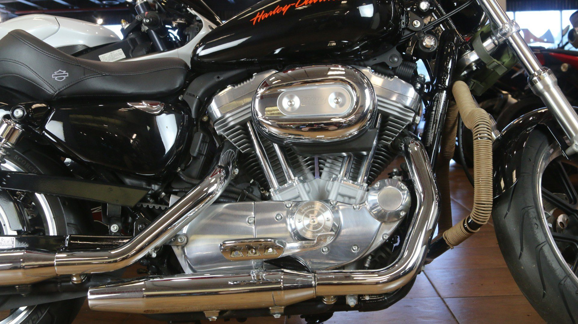 2013 Harley-Davidson Sportster® 883 SuperLow® in Pinellas Park, Florida - Photo 5