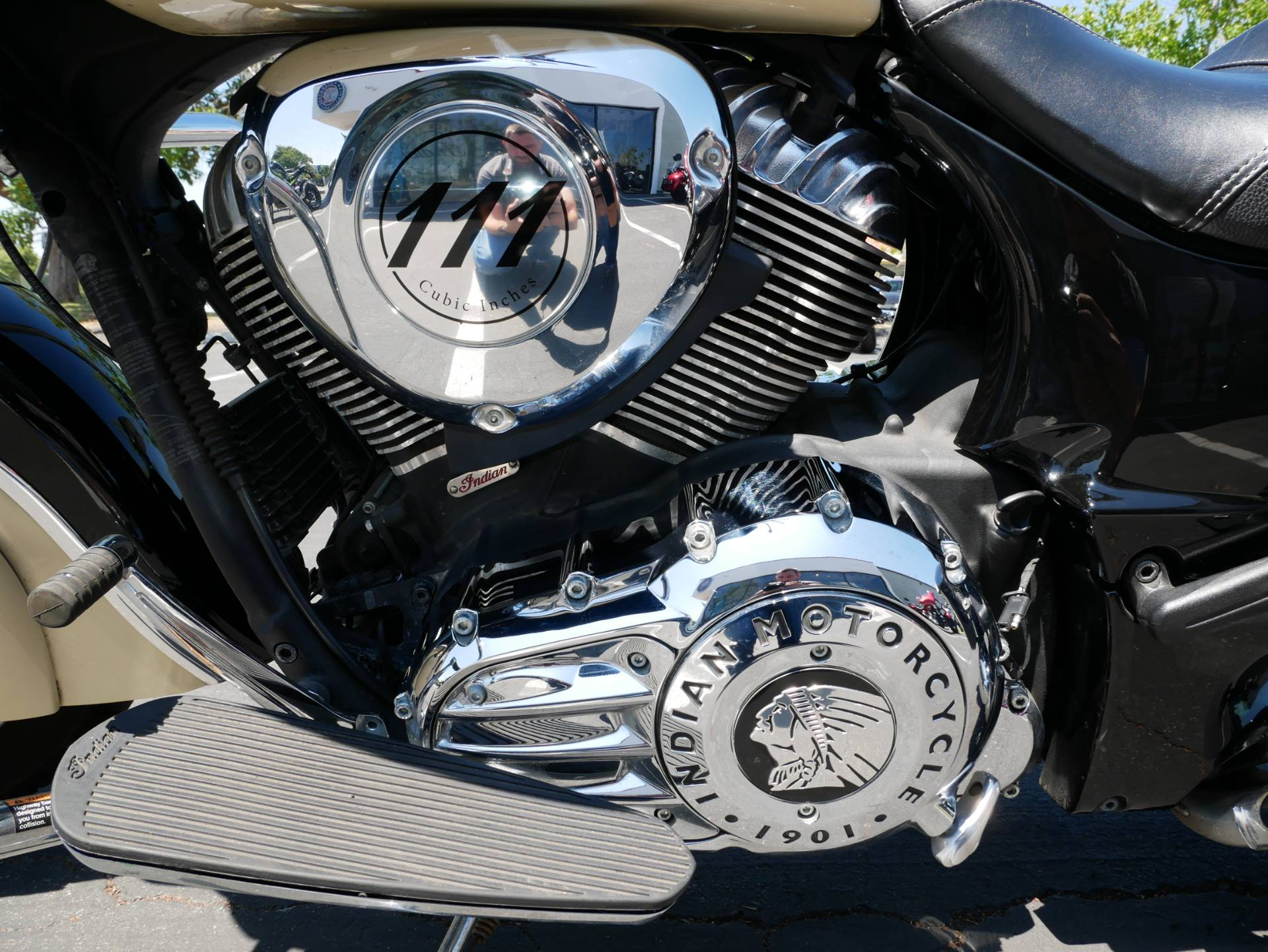 2019 Indian Chieftain® Classic ABS in San Diego, California - Photo 11