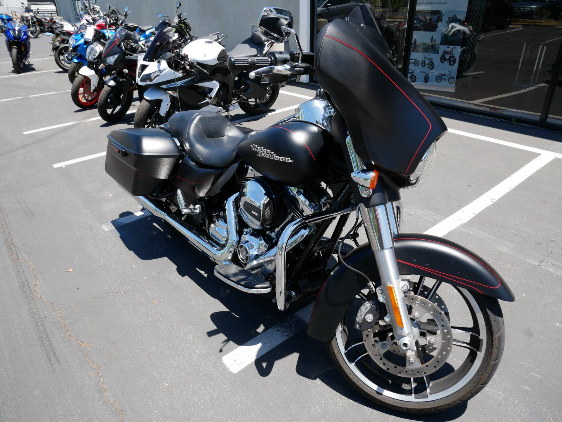 2015 Harley-Davidson Street Glide® Special in San Diego, California - Photo 2