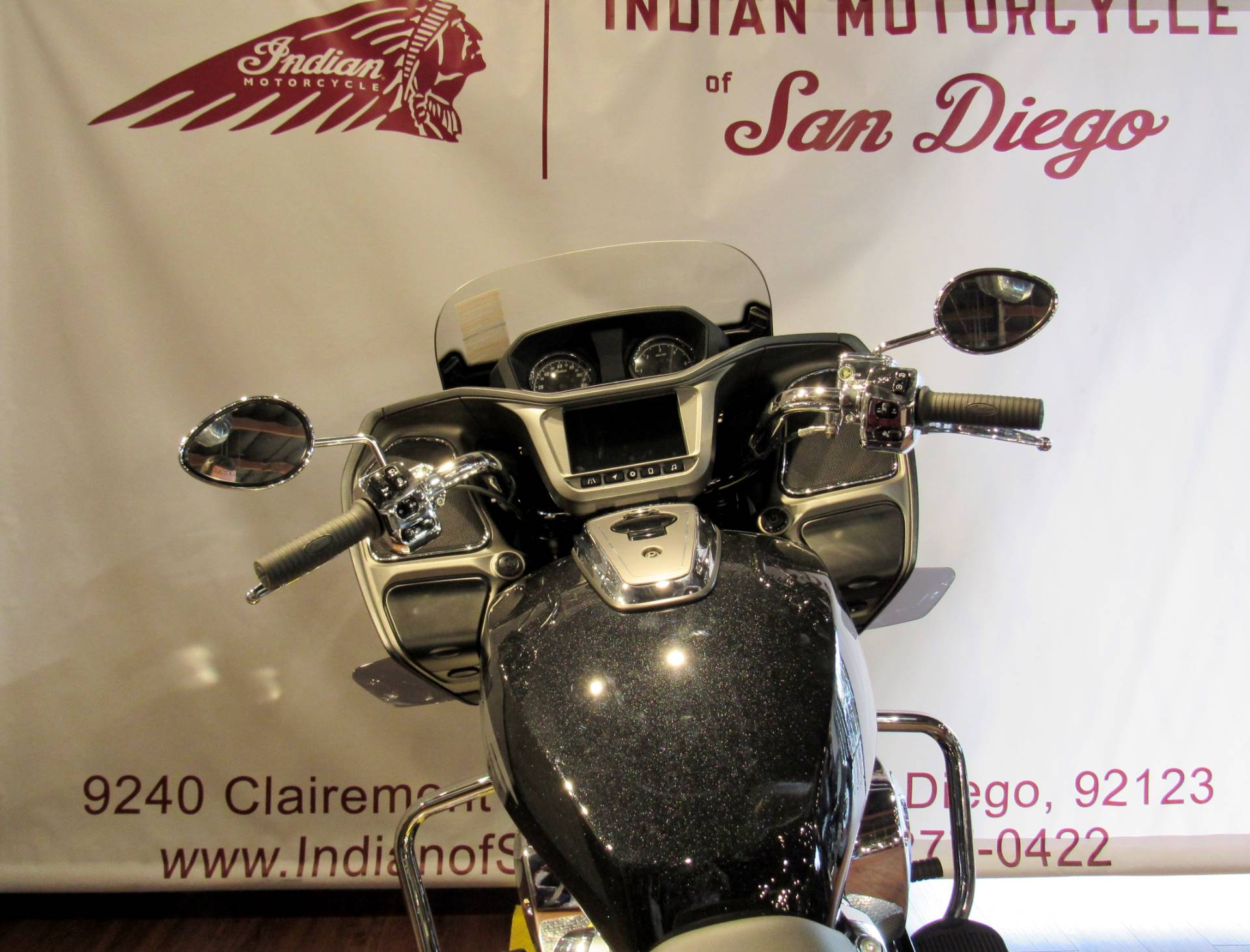 2020 Indian Challenger® Limited in San Diego, California - Photo 9