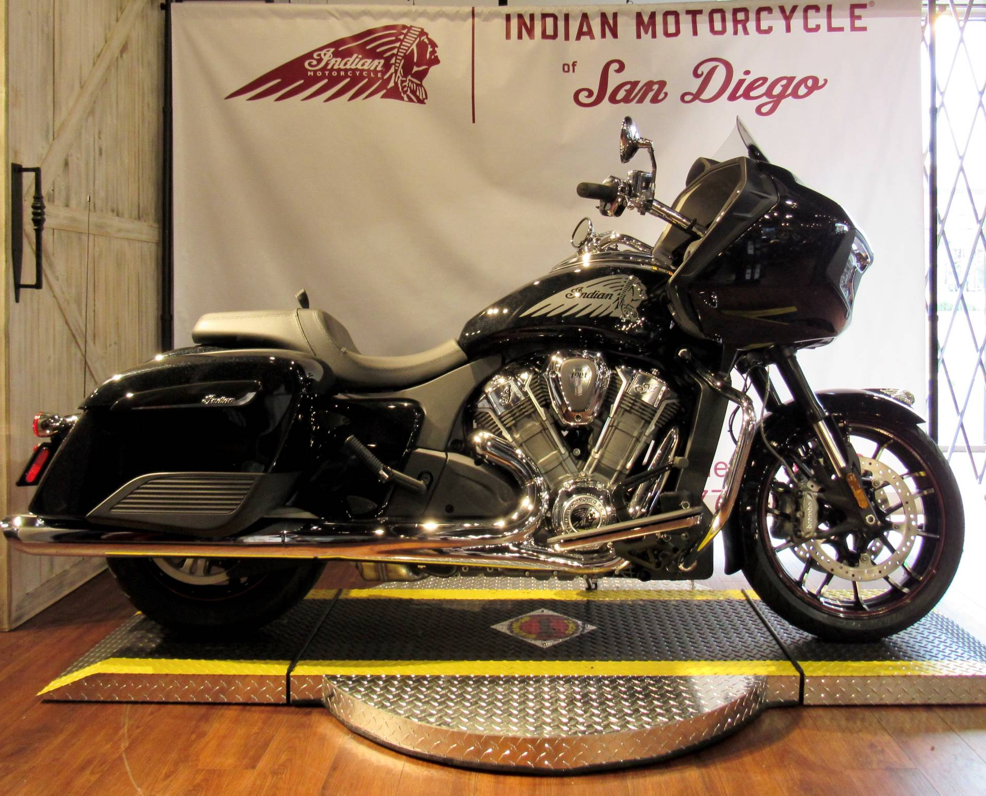 2020 Indian Challenger® Limited in San Diego, California - Photo 1