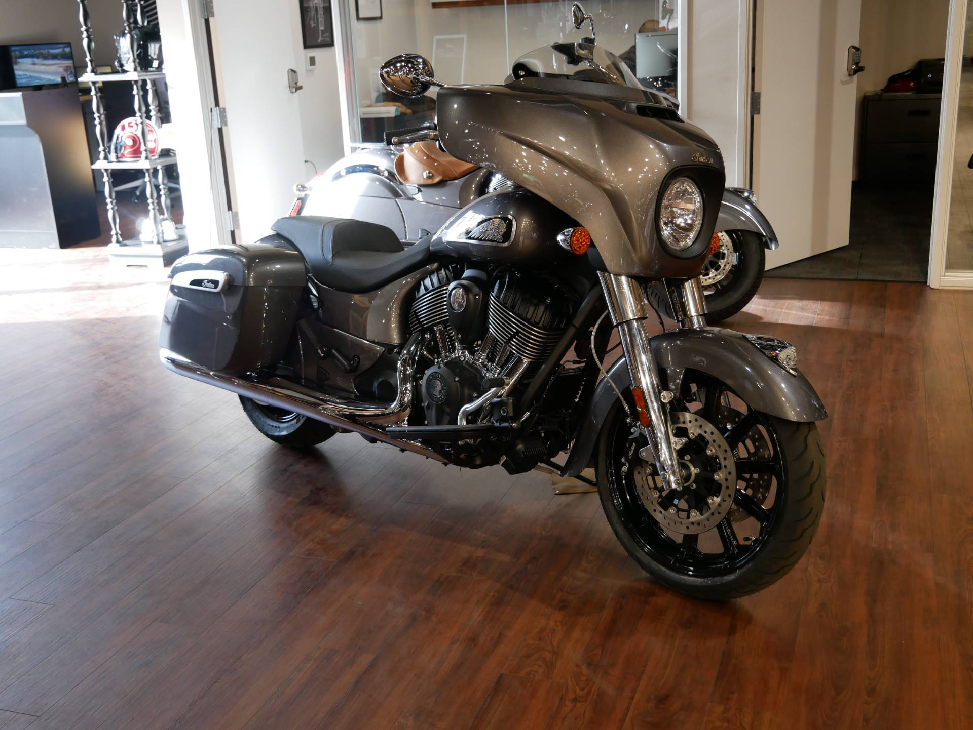 2019 Indian Chieftain® ABS in San Diego, California - Photo 5