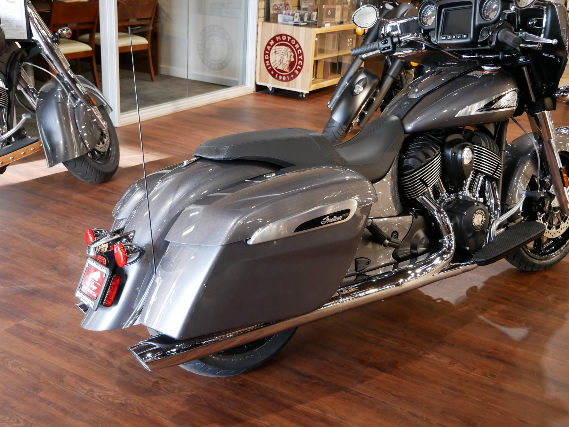 2019 Indian Chieftain® ABS in San Diego, California - Photo 8