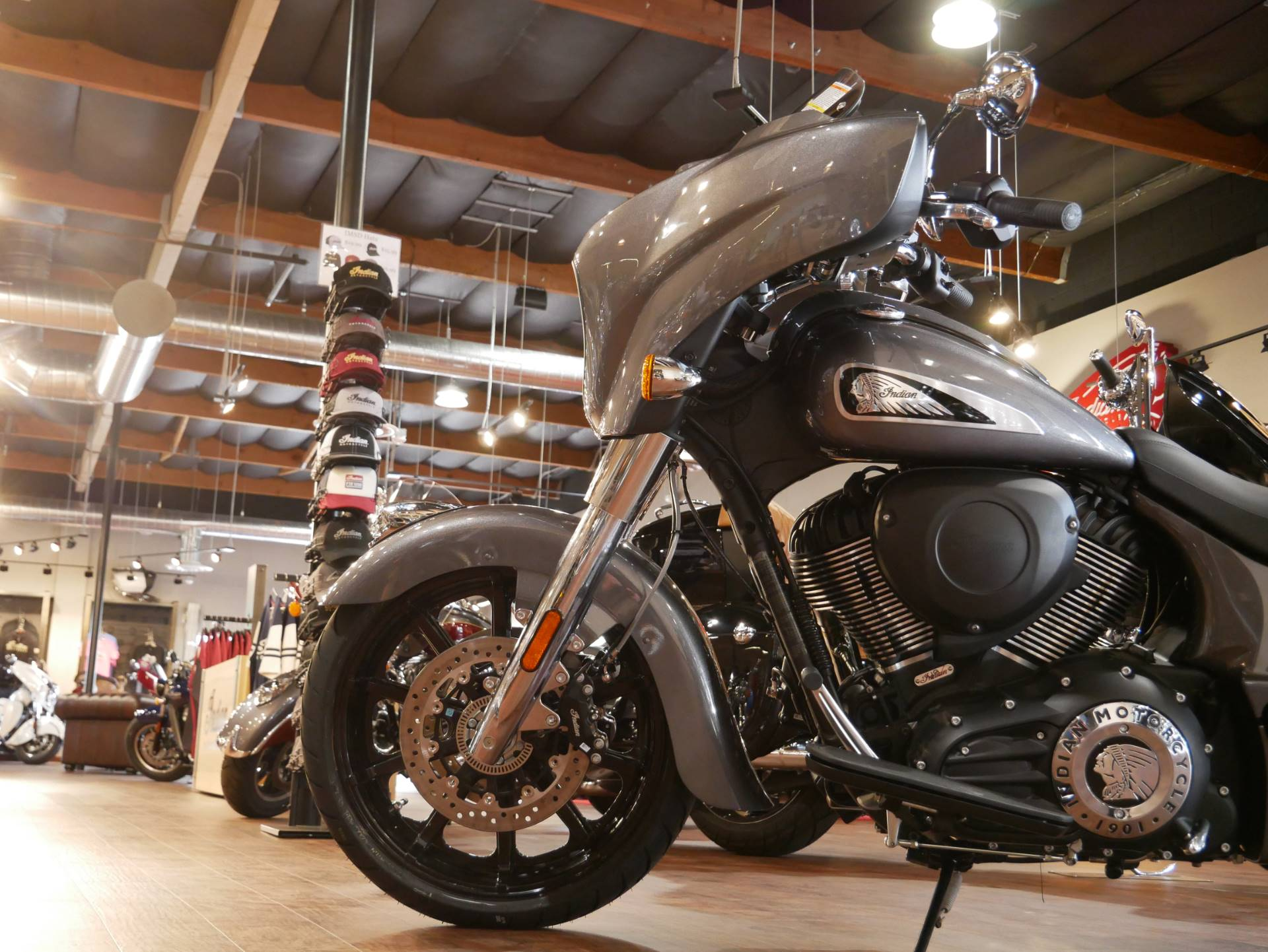 2019 Indian Chieftain® ABS in San Diego, California - Photo 12