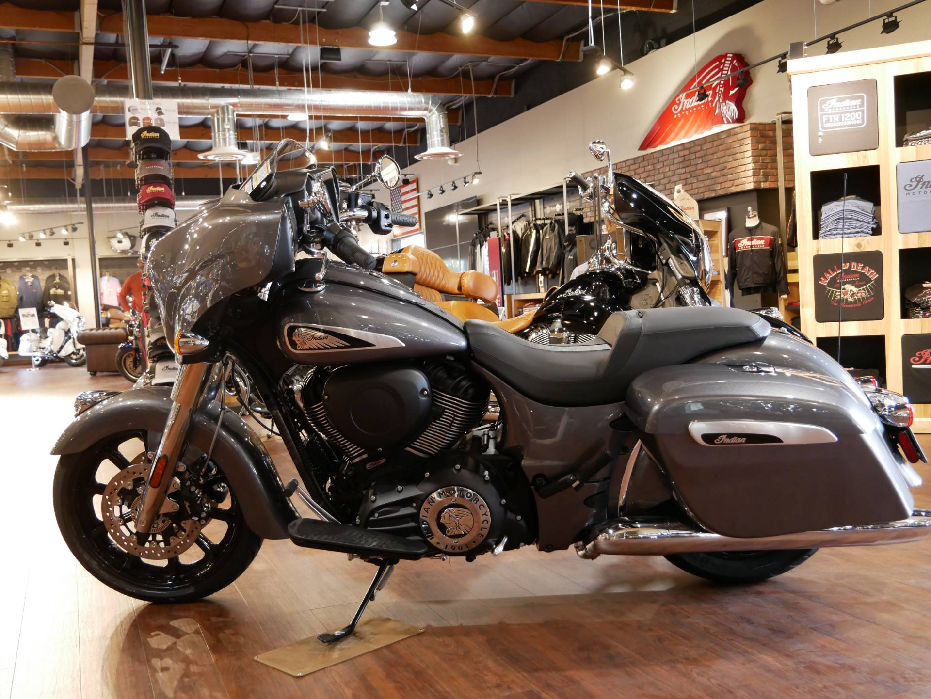 2019 Indian Chieftain® ABS in San Diego, California - Photo 19