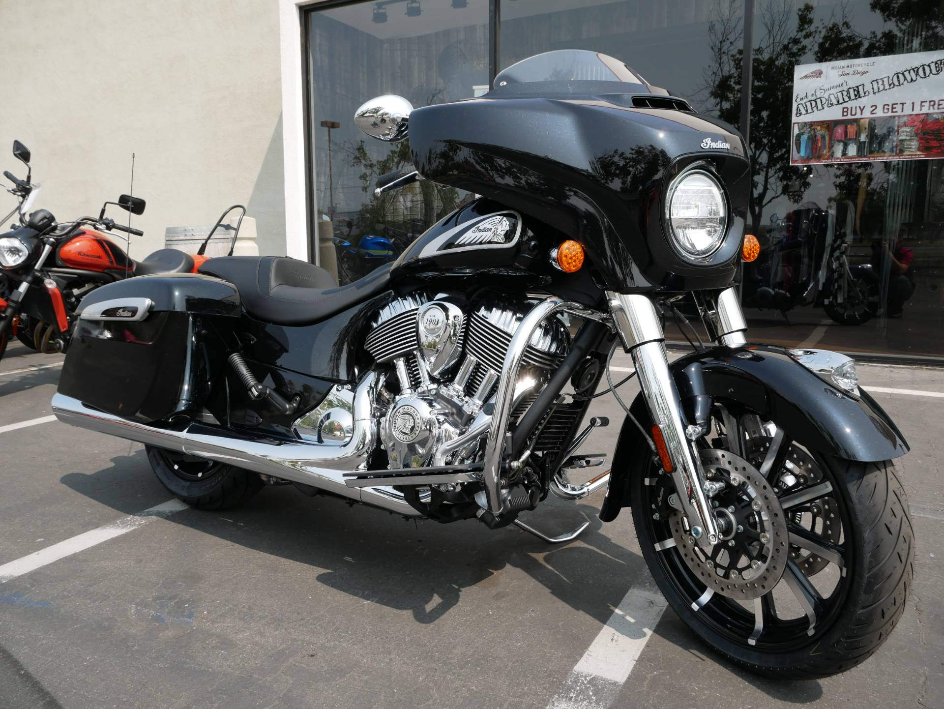 2021 Indian Chieftain® Limited in San Diego, California - Photo 4