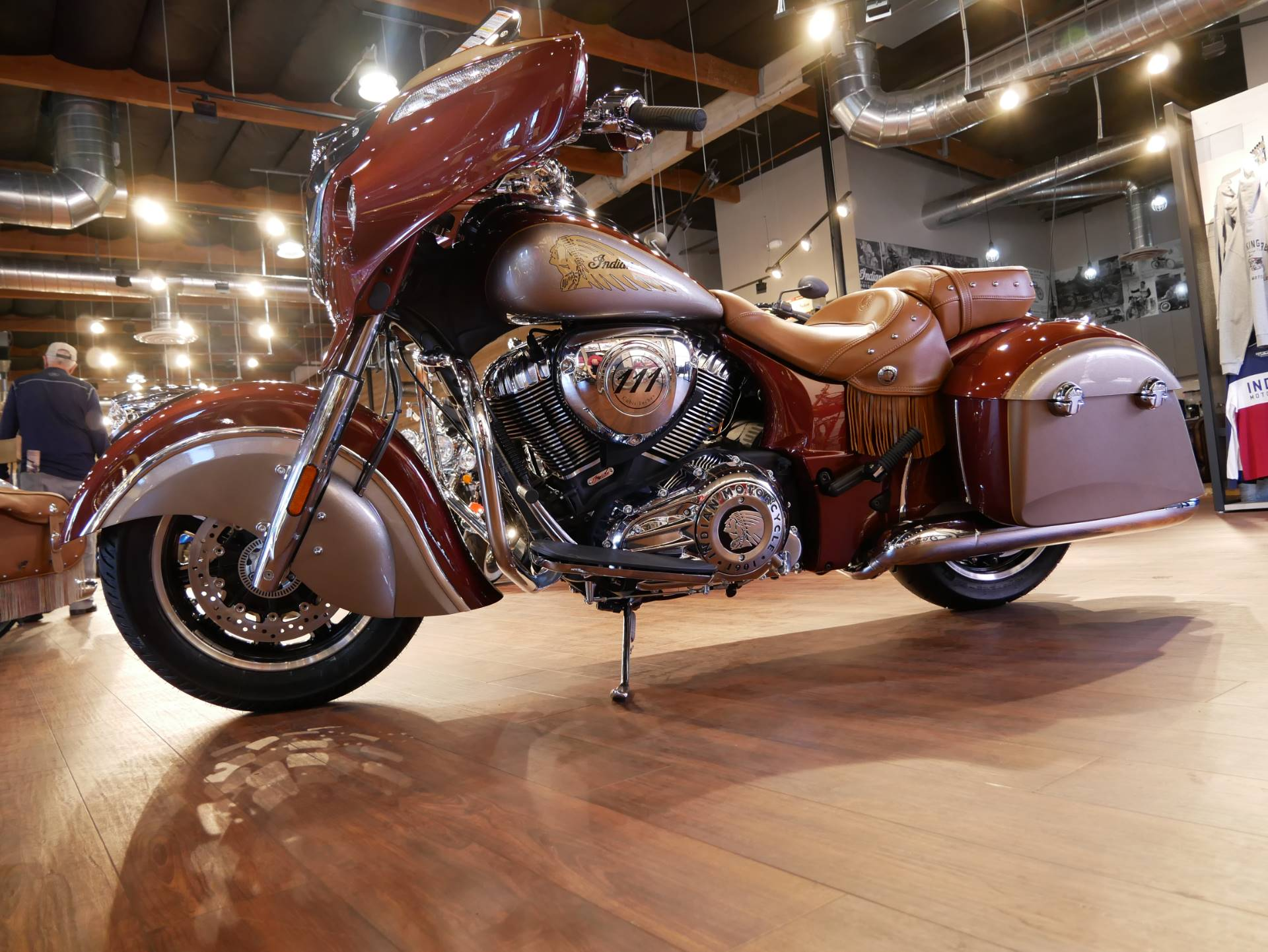 2019 Indian Chieftain® Classic Icon Series in San Diego, California - Photo 3