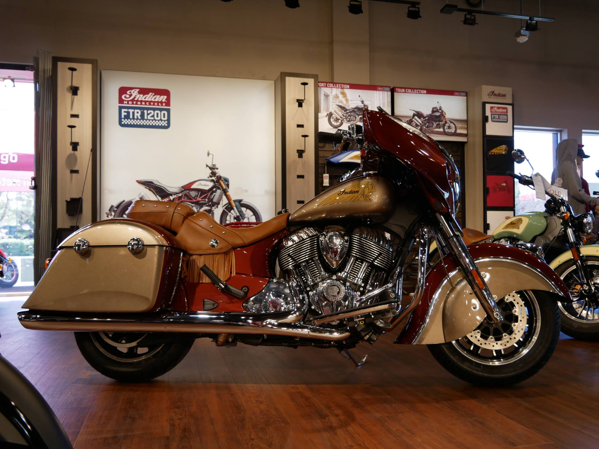 2019 Indian Chieftain® Classic Icon Series in San Diego, California - Photo 10