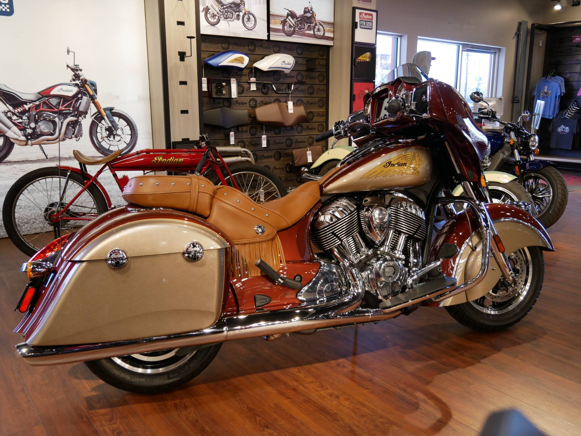 2019 Indian Chieftain® Classic Icon Series in San Diego, California - Photo 13
