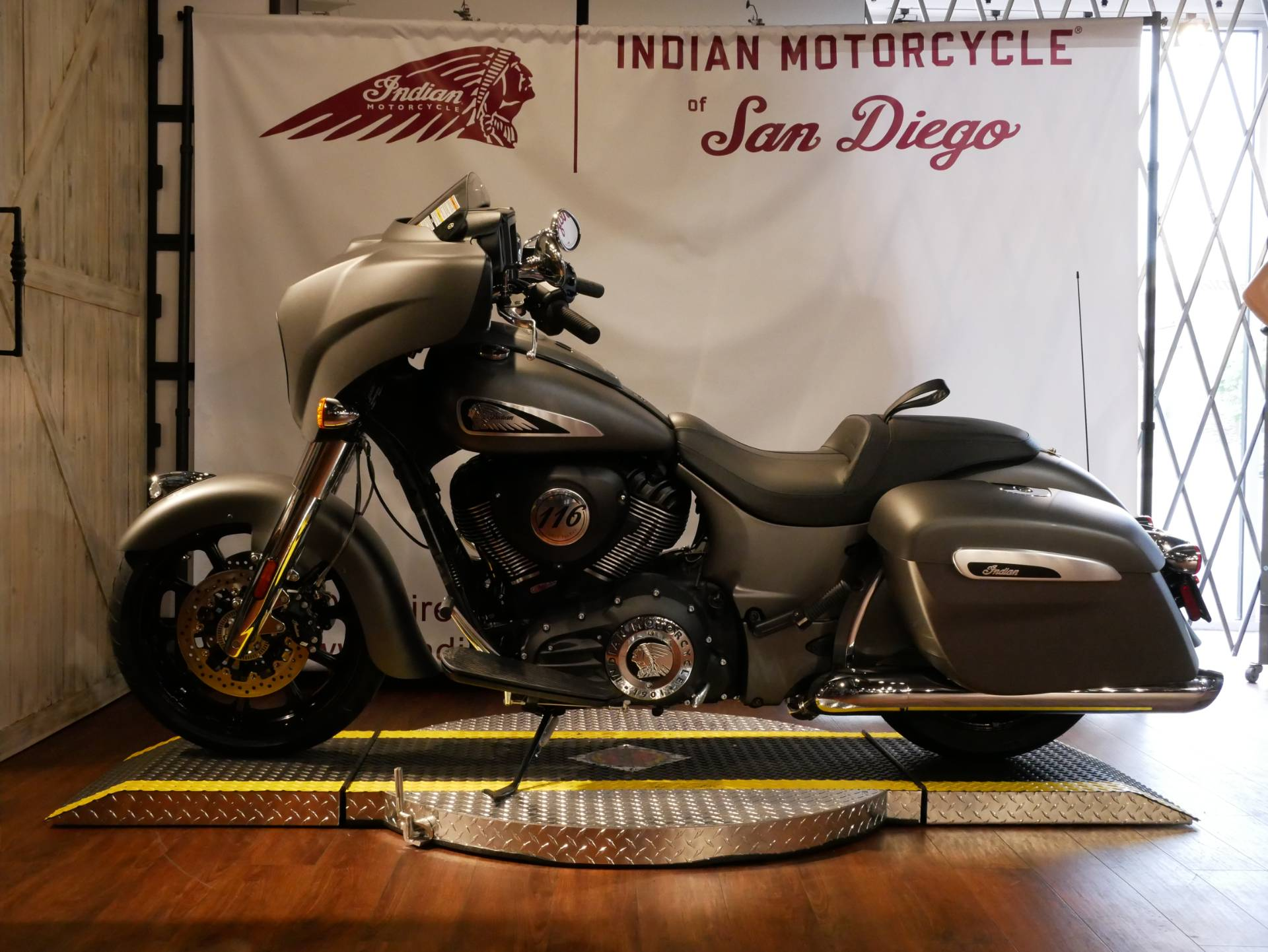 2020 Indian Chieftain® in San Diego, California - Photo 2