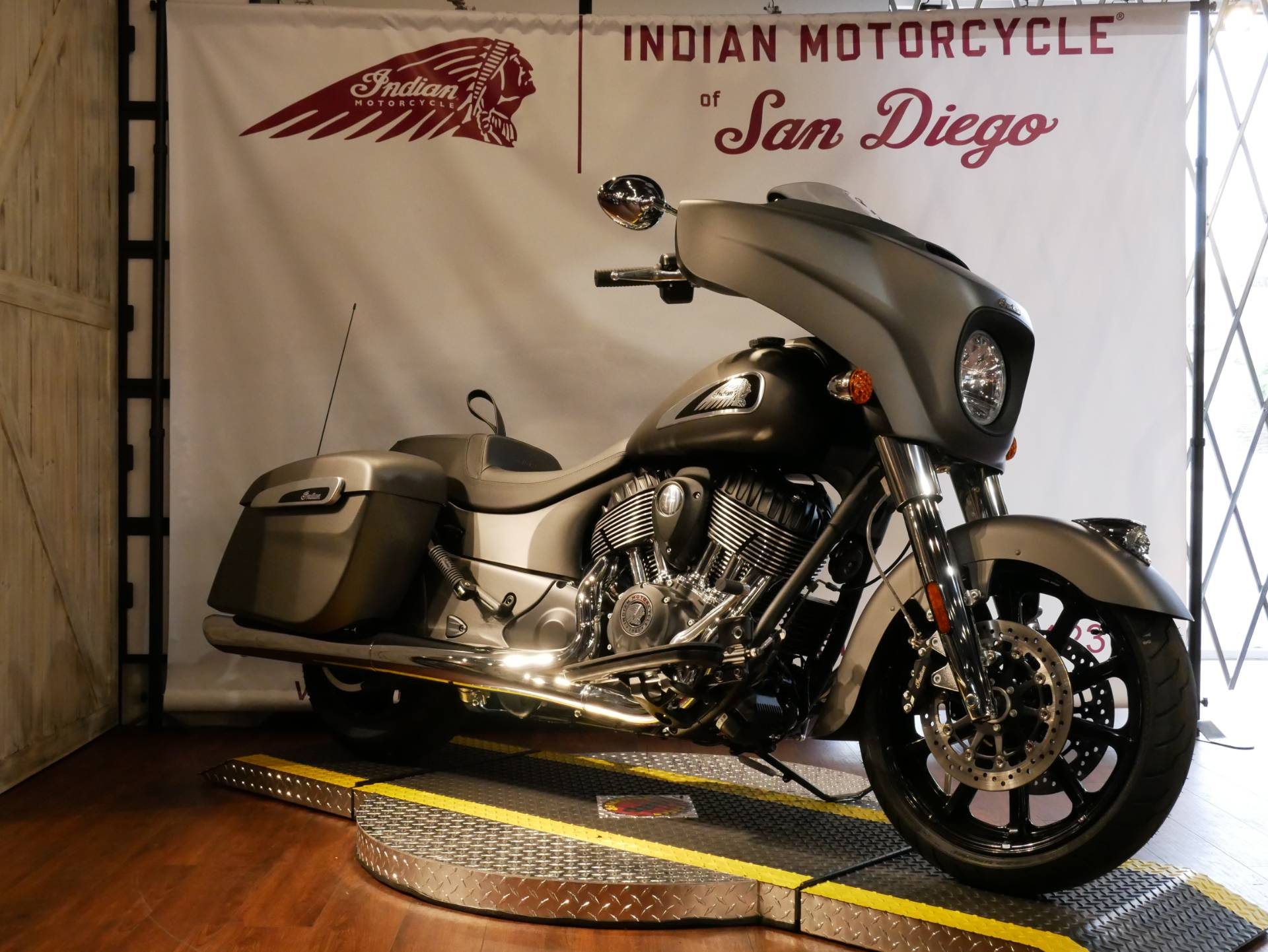 2020 Indian Chieftain® in San Diego, California - Photo 11