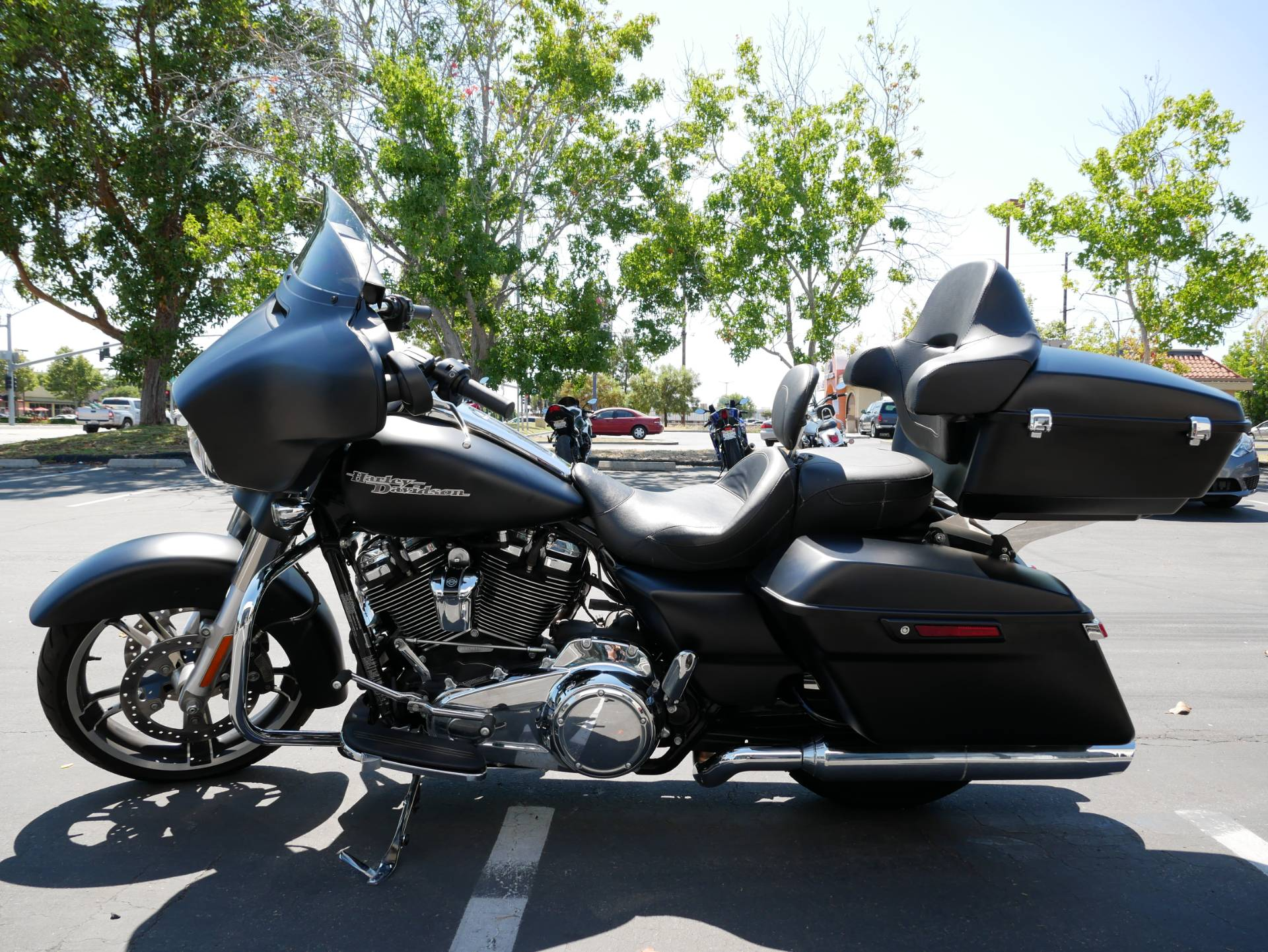 2017 Harley-Davidson Street Glide® Special in San Diego, California - Photo 3