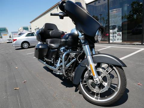 2017 Harley-Davidson Street Glide® Special in San Diego, California - Photo 10