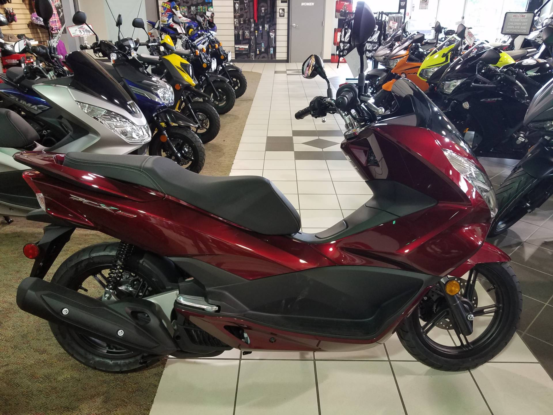 2016 Honda PCX150 Dark Candy Red in Rockwall, Texas