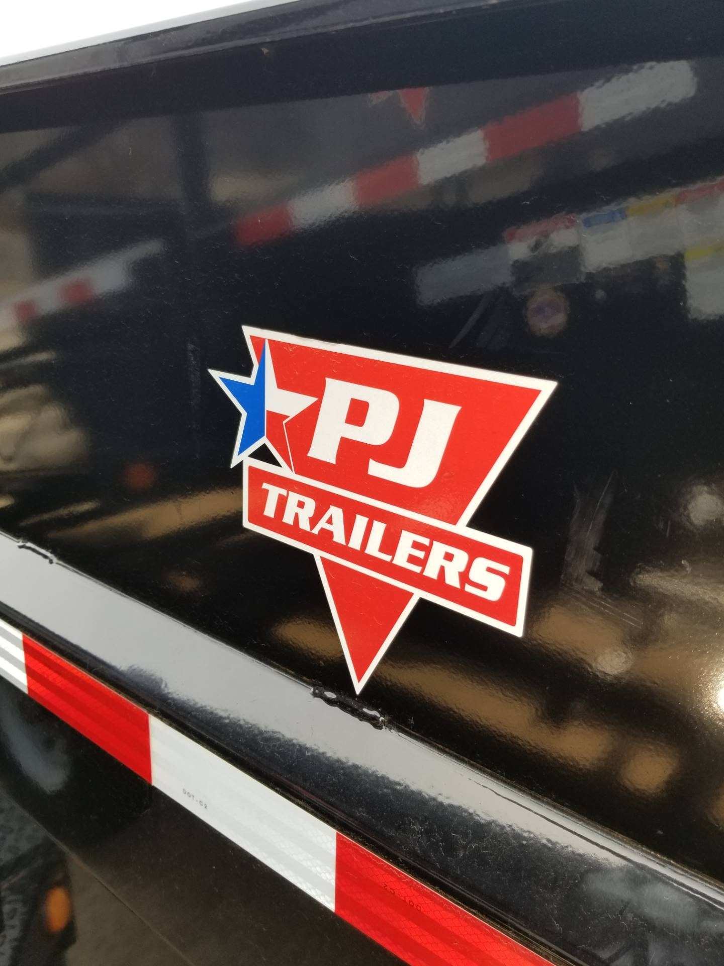 2019 PJ Trailers DMA1472BDSK in Hillsboro, Wisconsin - Photo 9