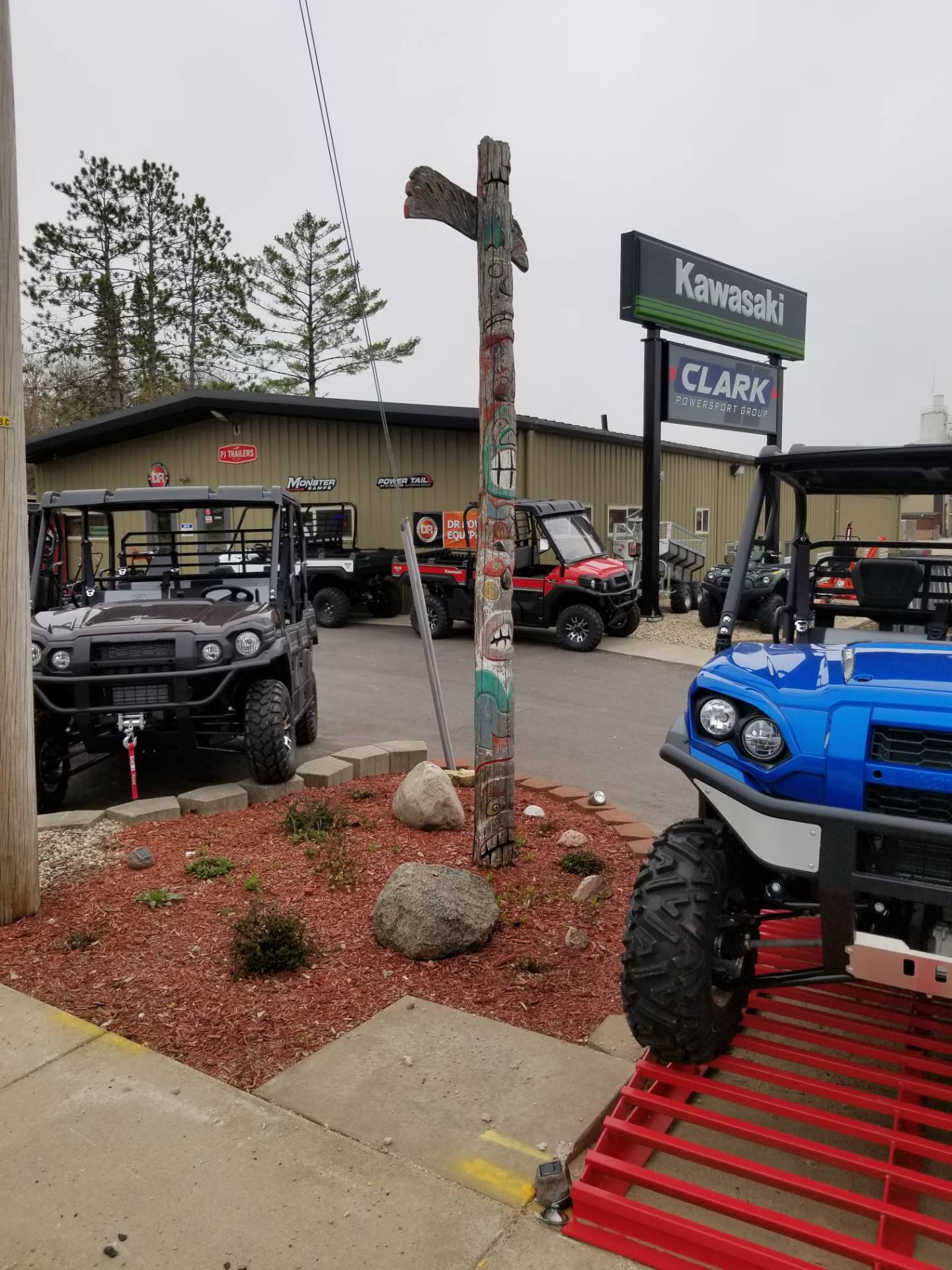 2019 Kawasaki Mule 4010 4x4 in Hillsboro, Wisconsin - Photo 7