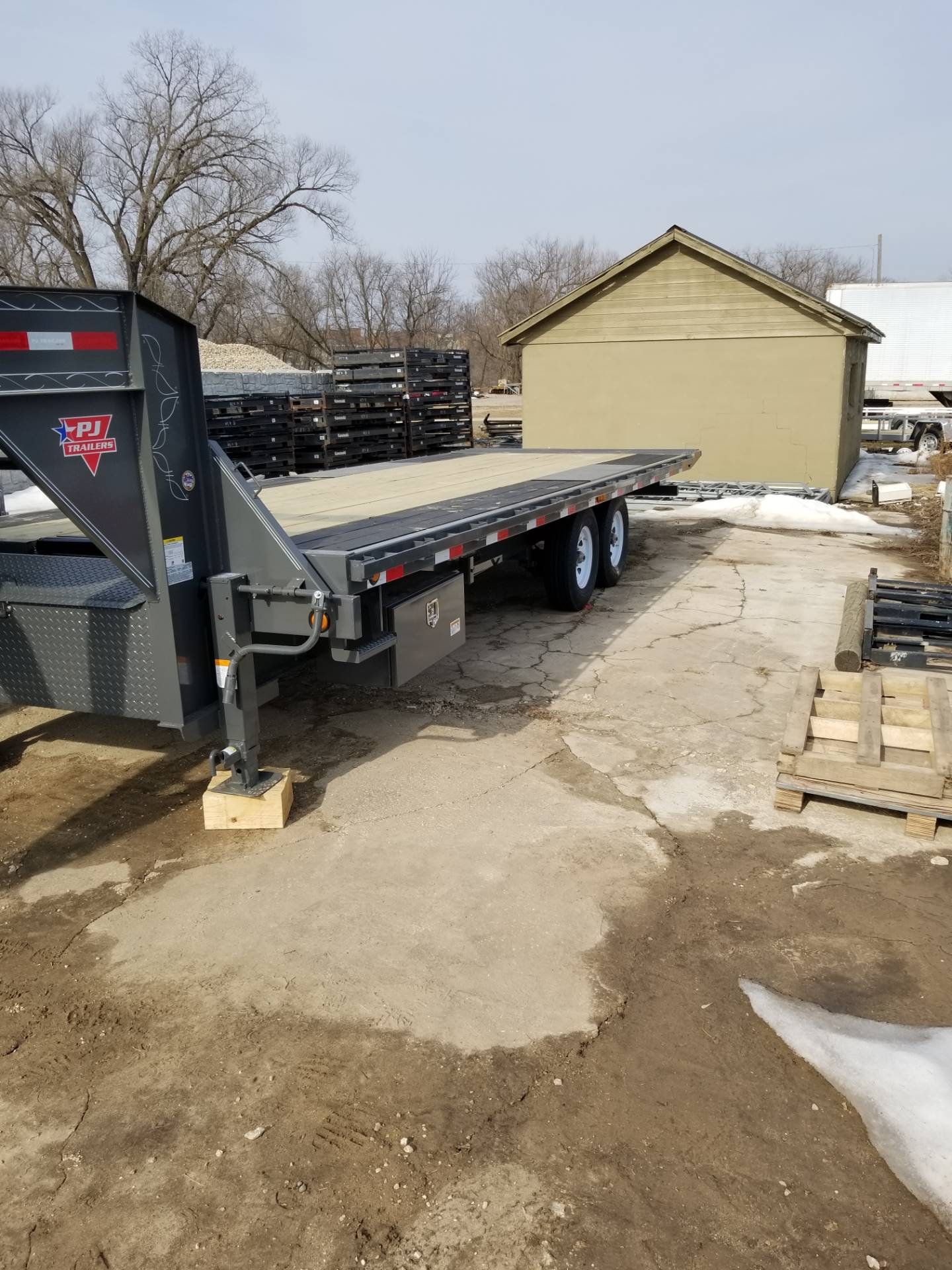 2019 PJ Trailers GOOSENECK TILT in Hillsboro, Wisconsin - Photo 1