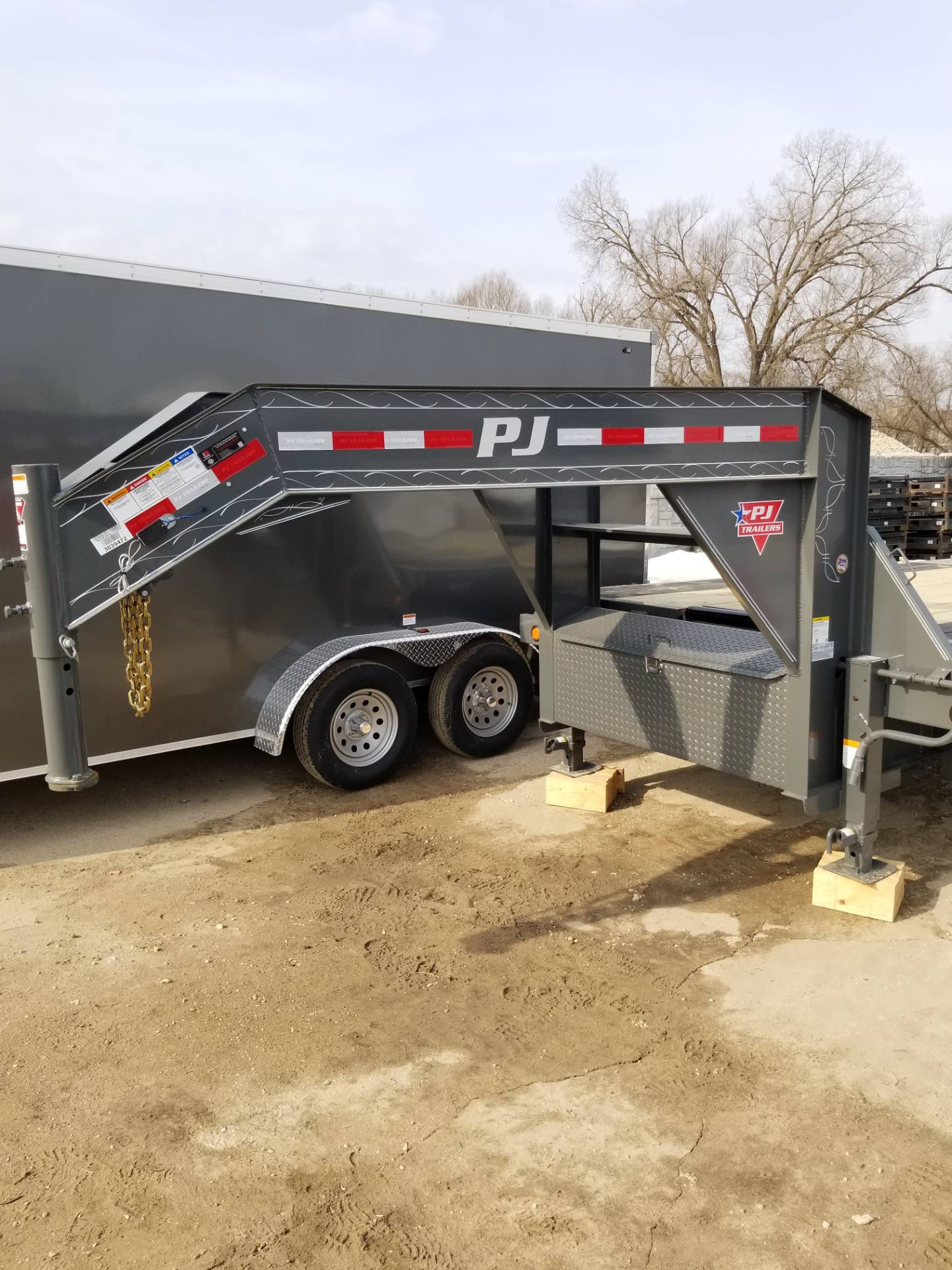2019 PJ Trailers GOOSENECK TILT in Hillsboro, Wisconsin - Photo 2