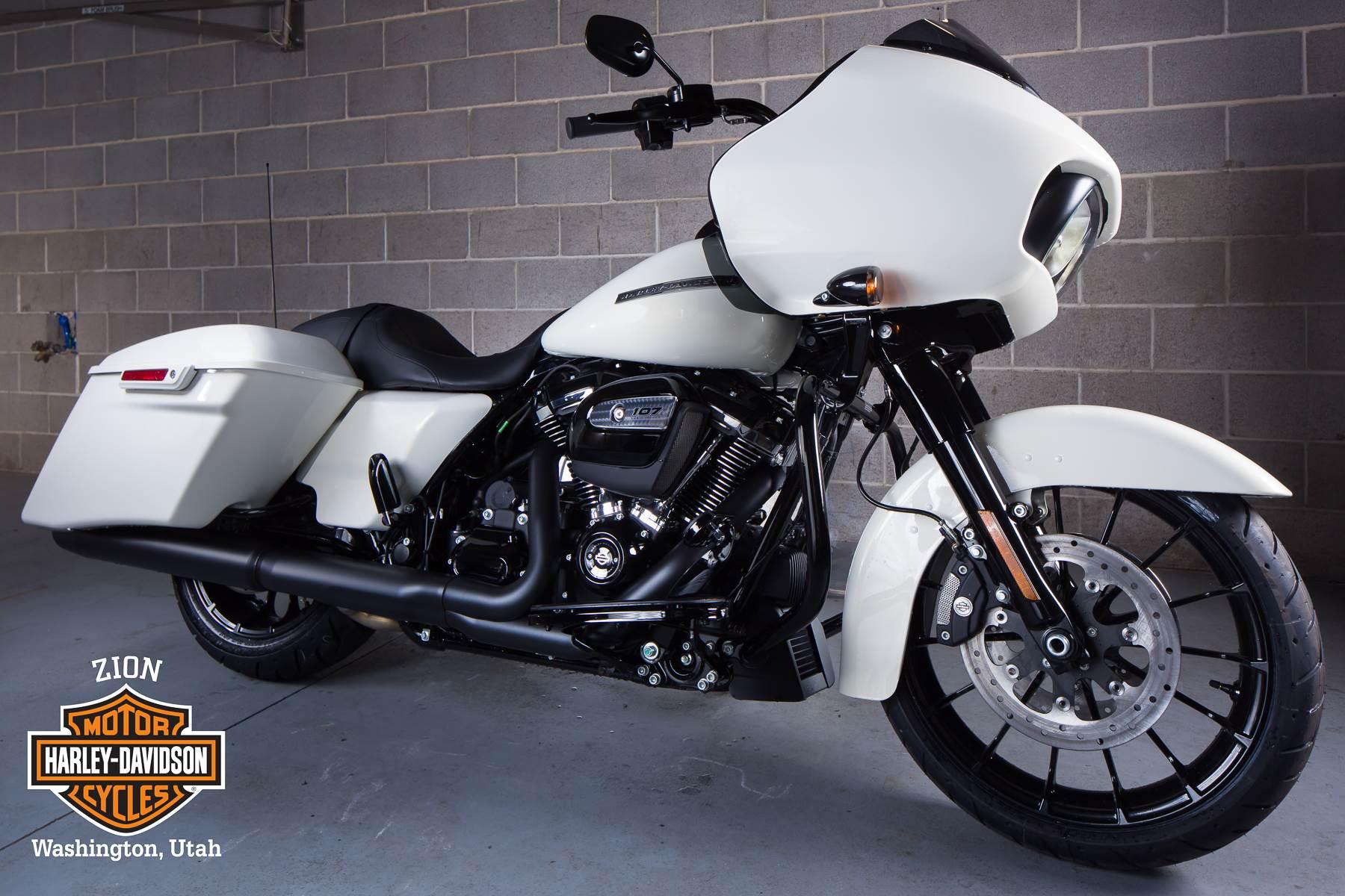 2018 Harley-Davidson Road Glide Special 2
