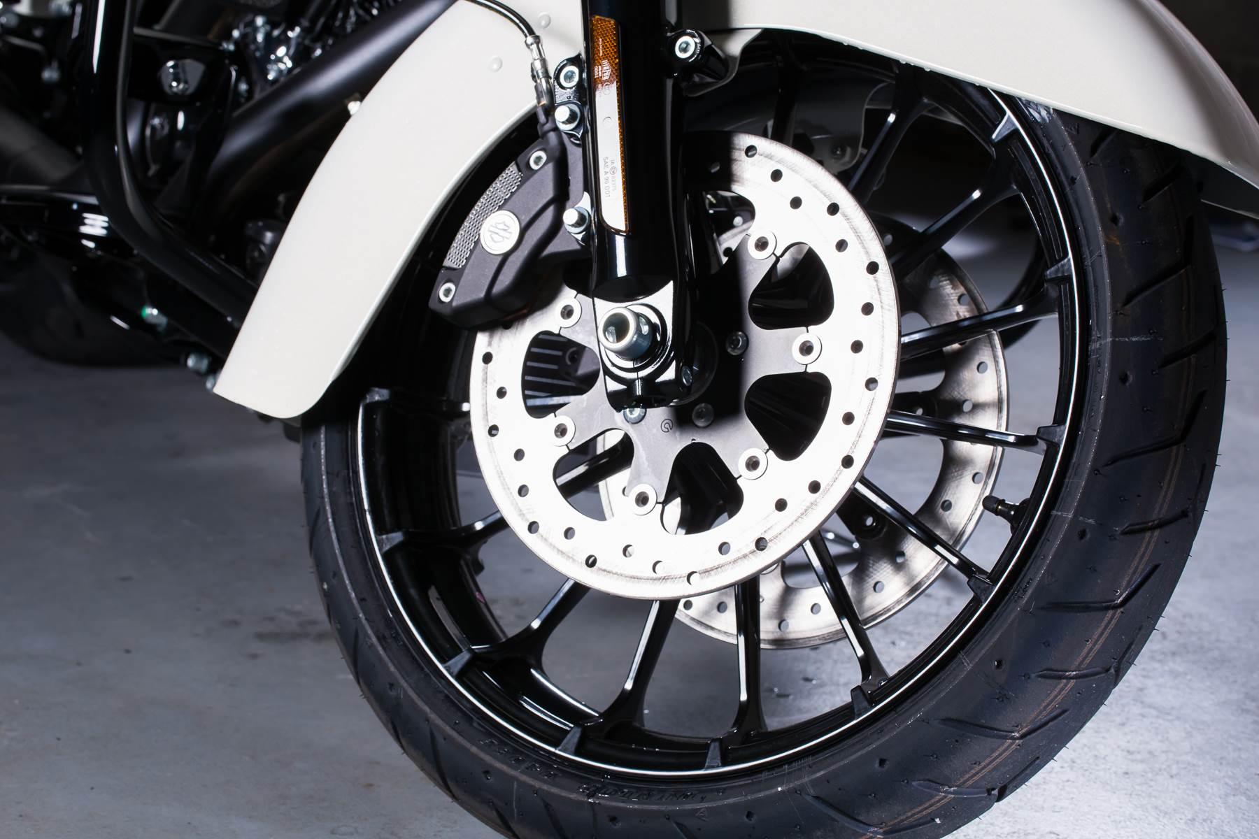 2018 Harley-Davidson Road Glide Special 5