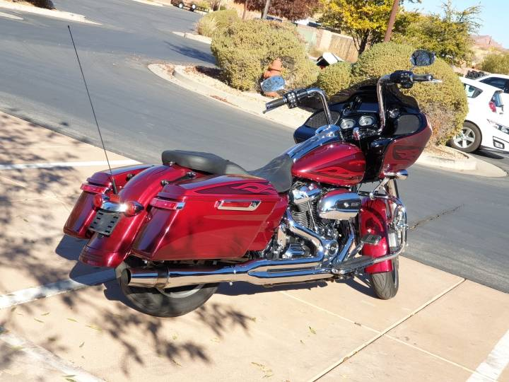 2017 Harley-Davidson Road Glide® Special in Washington, Utah - Photo 2