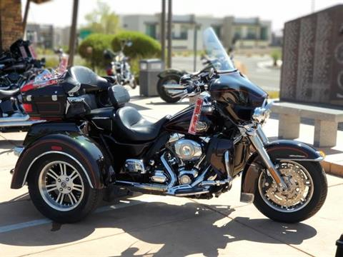 2011 Harley-Davidson Tri Glide® Ultra Classic® in Washington, Utah - Photo 2