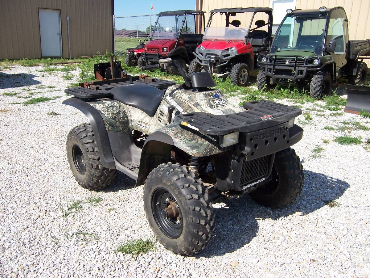 2001 Polaris A01CD32AB in Kirksville, Missouri