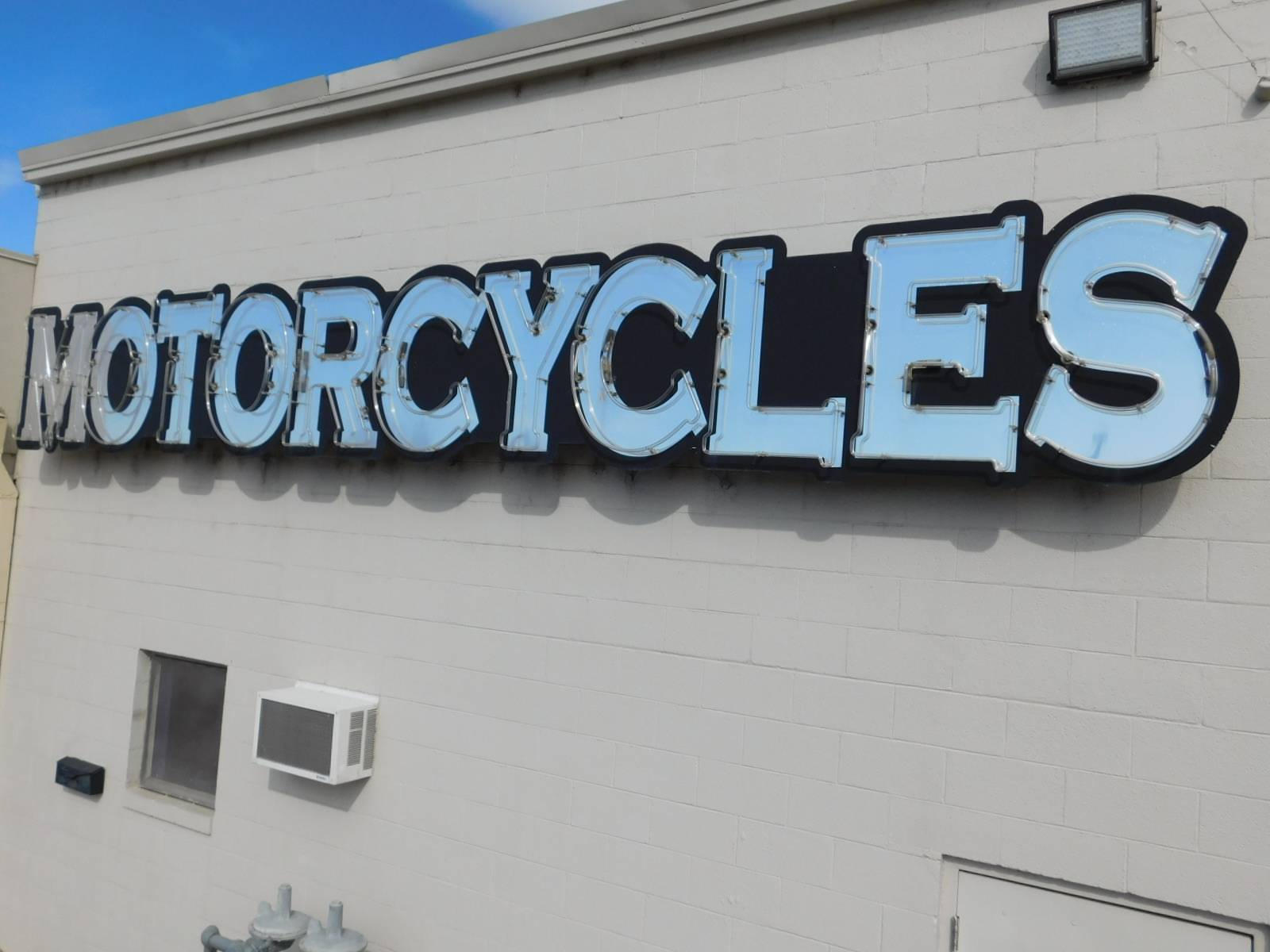 2010 Neon Specialties 21' Neon Motorcycle Sign in Loveland, Colorado - Photo 5