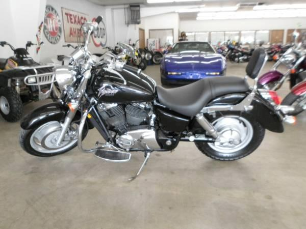 2000 Honda VT1100C2 Shadow Sabre in Loveland, Colorado