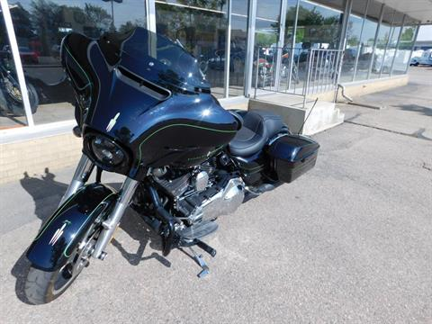 2016 Harley-Davidson Street Glide® Special in Loveland, Colorado - Photo 2