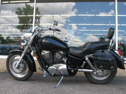 2001 Honda Shadow Sabre in Loveland, Colorado