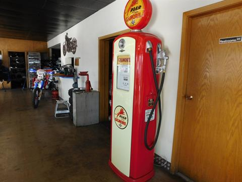 Other Full Size Bennett Gilmore Gas Pump in Loveland, Colorado - Photo 7