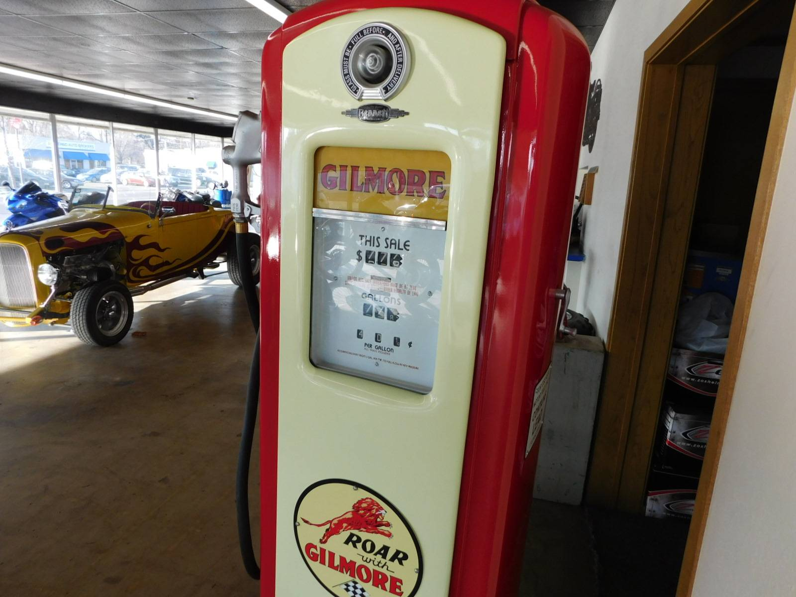 Other Full Size Bennett Gilmore Gas Pump in Loveland, Colorado - Photo 8