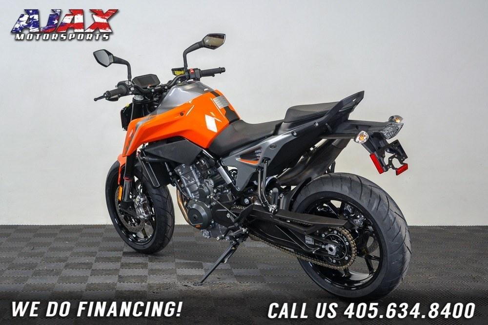 2019 KTM 790 Duke 6