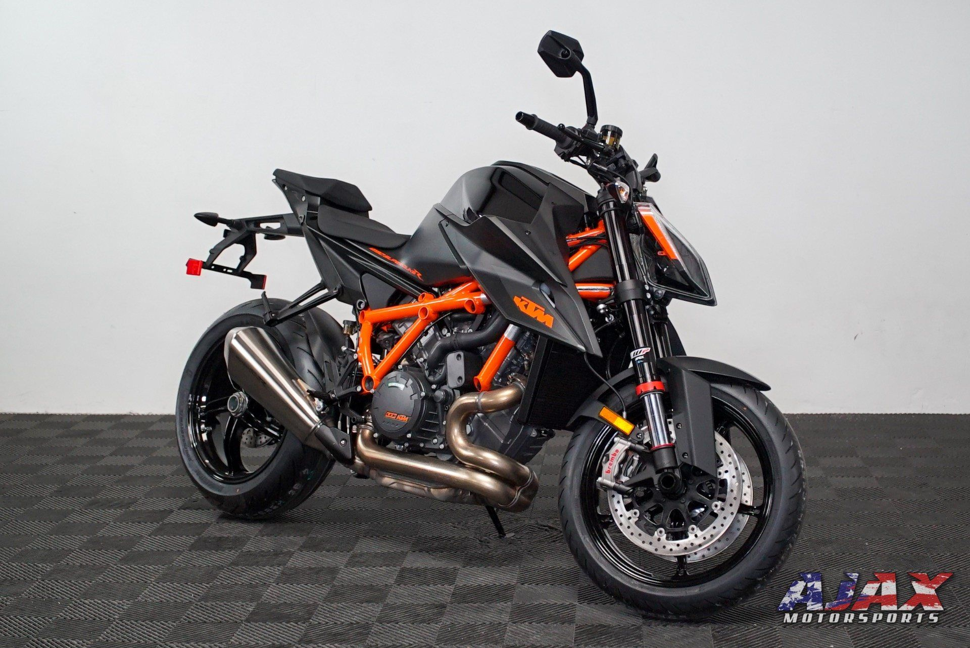 2020 KTM 1290 Super Duke R in Oklahoma City, Oklahoma - Photo 3