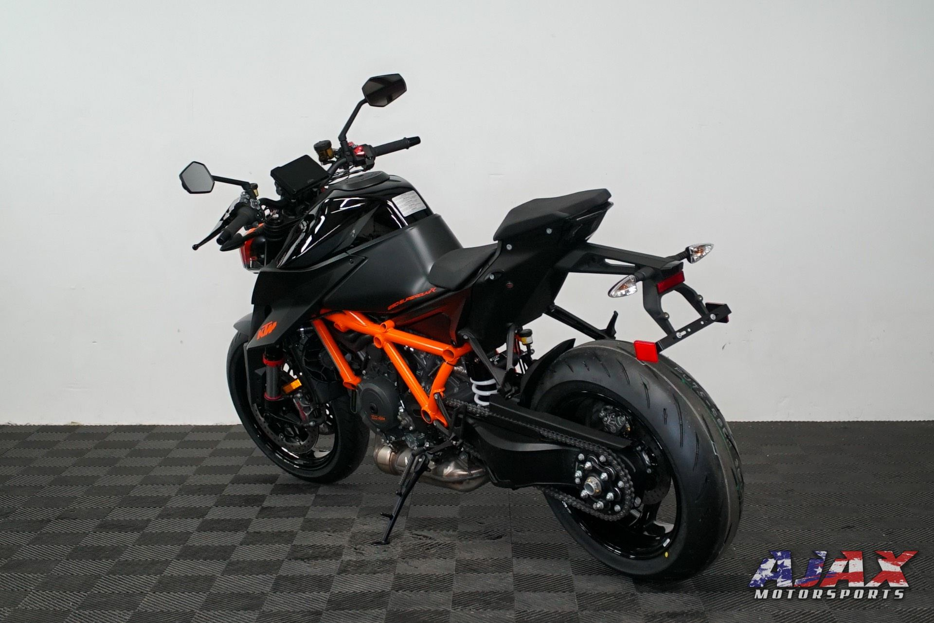 2020 KTM 1290 Super Duke R in Oklahoma City, Oklahoma - Photo 6