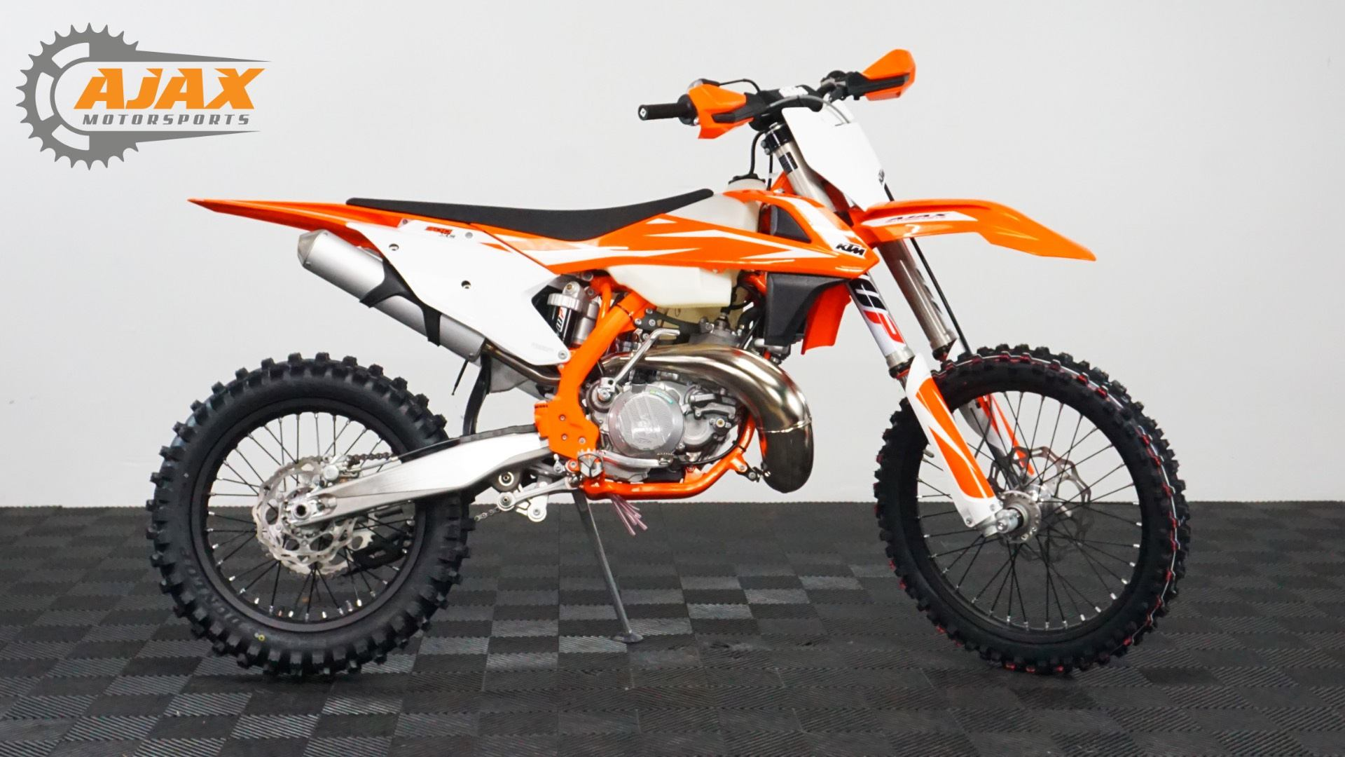 New 2018 ktm 300 xc motorcycles in oklahoma city ok stock number 2018 ktm 300 xc in oklahoma city oklahoma ccuart Image collections