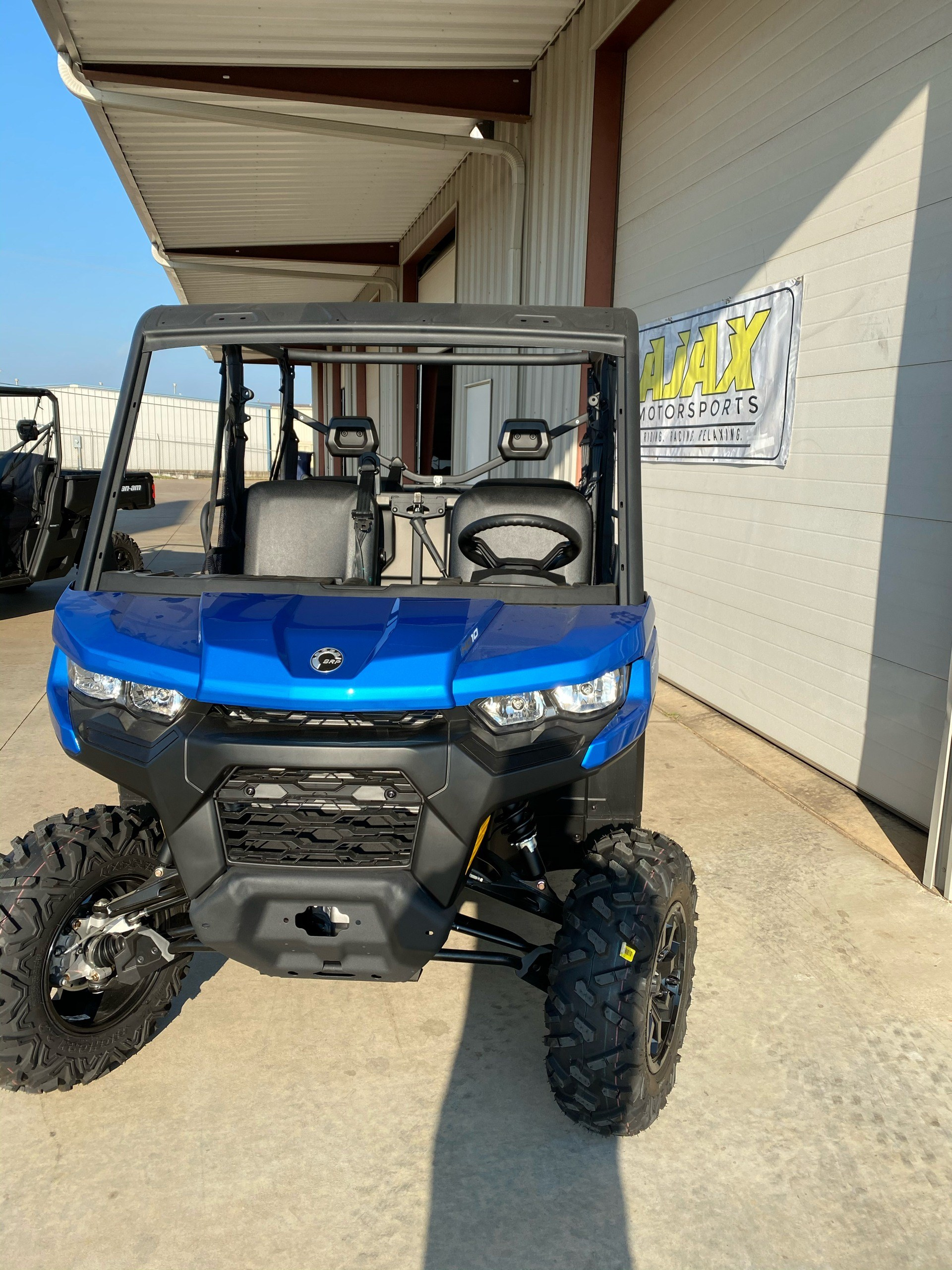 2021 Can-Am Defender MAX DPS HD10 in Oklahoma City, Oklahoma - Photo 2