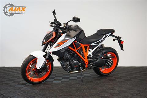 2017 KTM 1290 Super Duke R in Oklahoma City, Oklahoma