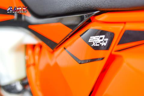 2019 KTM 250 XC-W TPI in Oklahoma City, Oklahoma - Photo 4