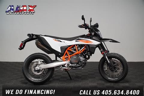 2020 KTM 690 SMC R in Oklahoma City, Oklahoma - Photo 3