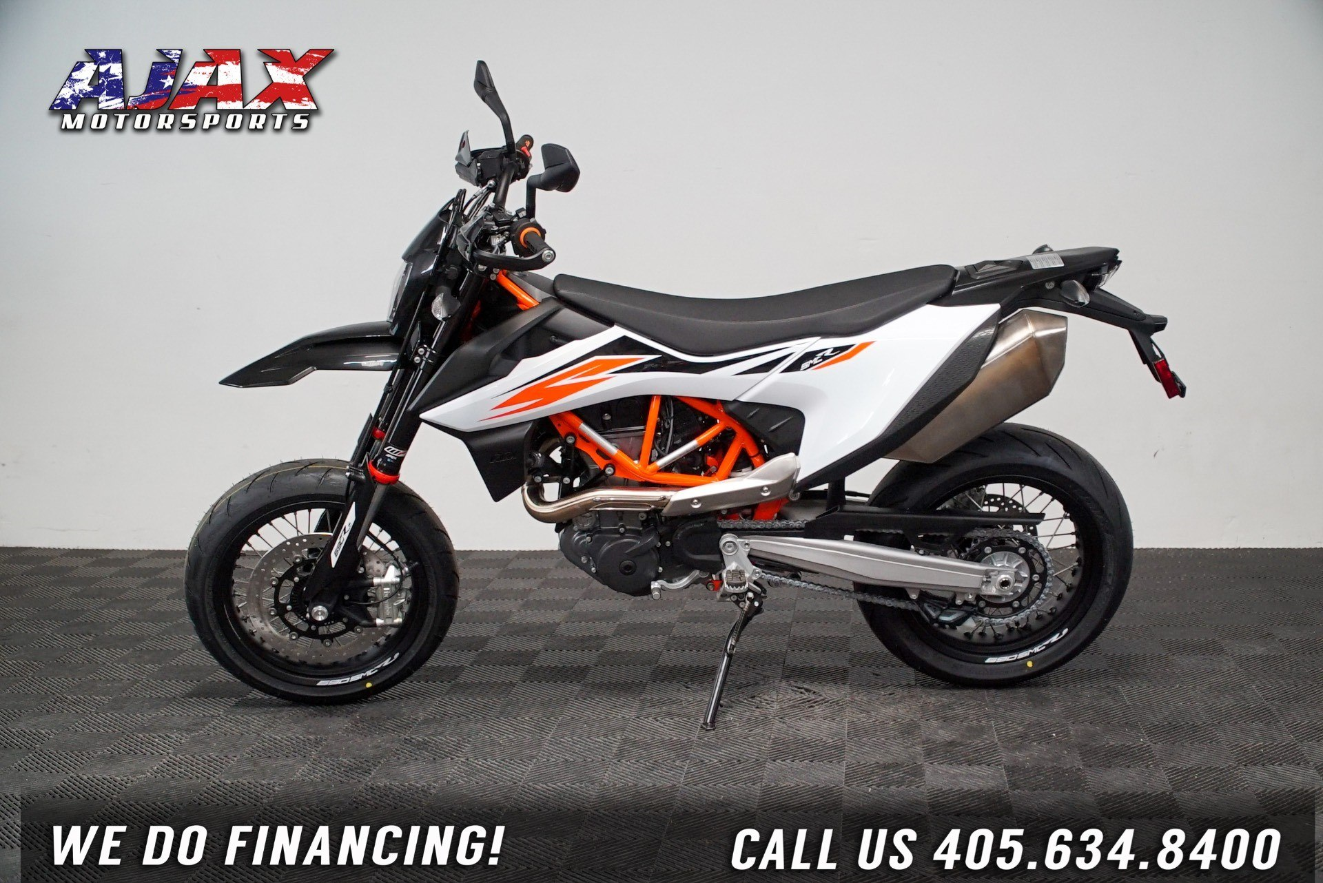 2020 KTM 690 SMC R in Oklahoma City, Oklahoma - Photo 5