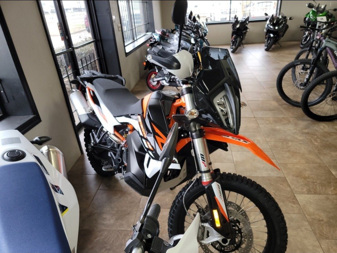 2021 KTM 890 Adventure R in Oklahoma City, Oklahoma - Photo 2