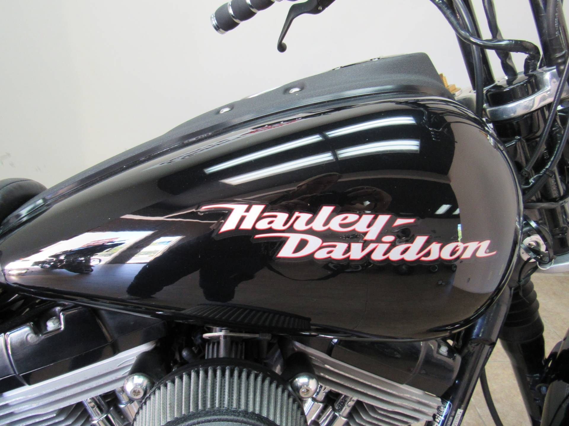 2007 Harley-Davidson Dyna® Super Glide® Custom in Temecula, California - Photo 6
