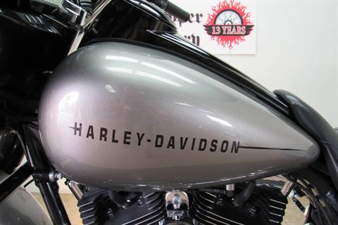 2014 Harley-Davidson Street Glide® Special in Temecula, California - Photo 10