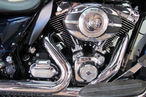 2012 Harley-Davidson Road Glide® Custom in Temecula, California - Photo 11