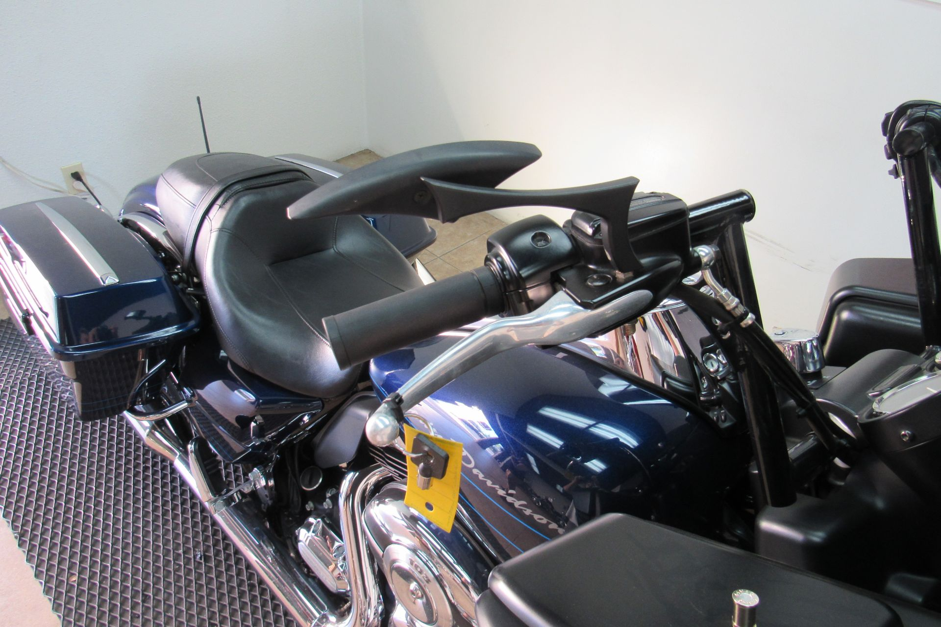 2012 Harley-Davidson Road Glide® Custom in Temecula, California - Photo 17