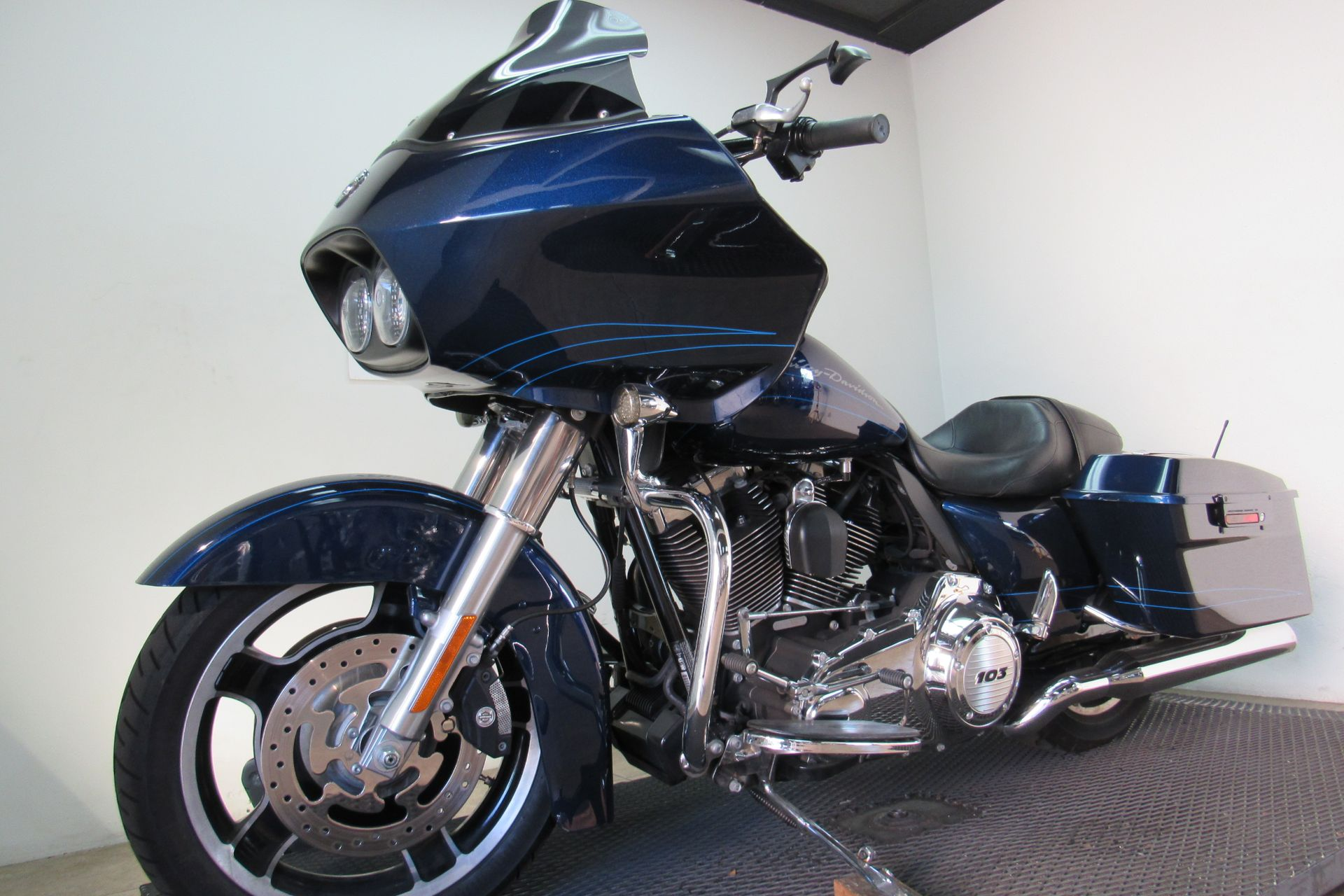 2012 Harley-Davidson Road Glide® Custom in Temecula, California - Photo 32