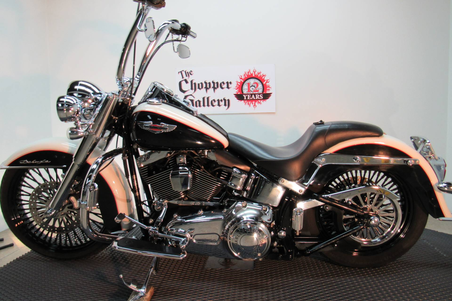 2011 Harley-Davidson Softail® Deluxe in Temecula, California - Photo 2